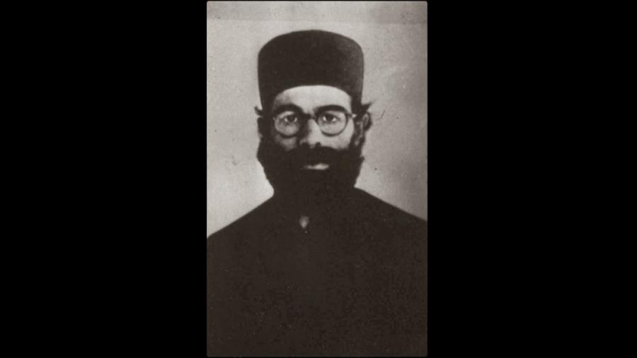 Ο Αυξεντίου μεταμφιεσμένος σε «πάτερ  Χρύσανθο» ξεγελώντας τους βρετανούς στρατιώτες
