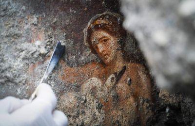 Πρόκειται για ένα «εκπληκτικό και μοναδικό» εύρημα, δήλωσε στο Ansa ο διευθυντής του Αρχαιολογικού Πάρκου της Πομπηΐας, Μάσιμο Οζάνα
