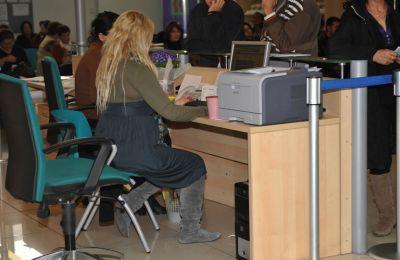 Σε μια πενταετία έχουν αυξηθεί κατά 6.104 οι έκτακτοι υπάλληλοι – Ανεβαίνει ξανά το κρατικό μισθολόγιο