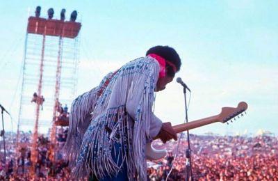 Το πρώτο Woodstock πραγματοποιήθηκε σε μία γαλακτοπαραγωγική φάρμα στα βουνά Catskill βόρεια της Νέας Υόρκης