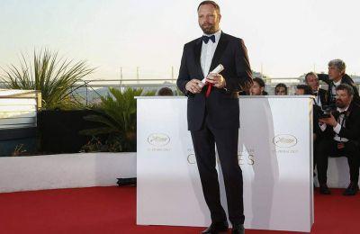 Με την υποψηφιότητα του για το Όσκαρ Καλύτερης Σκηνοθεσίας ο Γιώργος Λάνθιμος γίνεται ο τρίτος Έλληνας που διεκδικεί το συγκεκριμένο βραβείο.