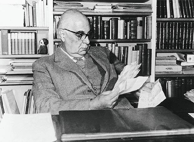 Ο Γιώργος Σεφέρης, ένας από τους πιο καταξιωμένους, και διεθνώς, Ελληνες ποιητές, πολεμήθηκε όσο λίγοι στο λογοτεχνικό πεδίο.