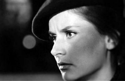 Κάποιες από τις ταινίες όπου συμμετείχε ήταν Αγάπη και Αίμα (1968), Η Αρχόντισσα κι ο Αλήτης (1968) και  Κοινωνία Ώρα Μηδέν (1966).