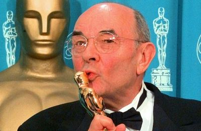 Στην μεγάλη καριέρα του, ο Ντόνεν είχε σκηνοθετήσει δεκάδες ταινίες