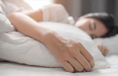 Το πρώτο τρίμηνο μετά τη γέννηση του μωρού οι μητέρες κοιμούνται μια ώρα λιγότερο από ό,τι πριν αποκτήσουν παιδί
