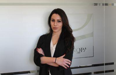 H κ. Παπαδοπούλου είναι Σύμβουλος Επικοινωνίας της εταιρείας ΓΝΩΡΑ Σύμβουλοι Επικοινωνίας