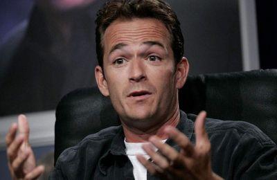 Μάλιστα, πριν λίγες μέρες, το δίκτυο Fox είχε κάνει ανακοίνωση για το ξεκίνημα ενός νέου κύκλου γυρισμάτων για το «Beverly Hills, 90210».