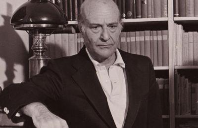 Κορυφαία στιγμή του ποιητή η 18η Οκτωβρίου ημερομηνία κατά την οποία η Σουηδική Ακαδημία ανακοινώνει ότι θα του απονεμηθεί το βραβείο Νόμπελ Λογοτεχνίας