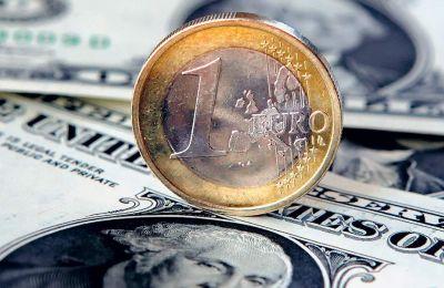 Το ευρώ ενδυναμώθηκε προς το δολάριο στο 1,1357 δολ., δηλαδή στα υψηλότερα επίπεδά του το τελευταίο 15νθήμερο.