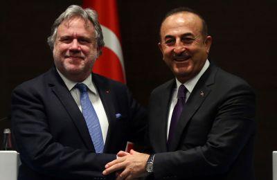 η Ελληνική πλευρά αναμένει να ακούσει από την τουρκική, ποιες είναι οι ιδέες της για το ποιος θα μπορούσε να ήταν ο μηχανισμός που θα αντικαταστήσει το καθεστώς των εγγυήσεων