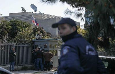 Έως αυτή την ώρα δεν υπάρχει ανάληψη ευθύνης για την επίθεση στο ρωσικό προξενείο.