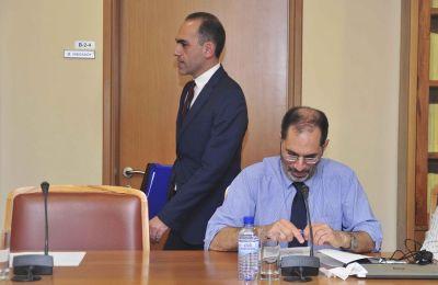 Ο υπουργός Οικονομικών είναι ο μόνος από το Υπουργικό Συμβούλιο που έχει βγει απέναντι σε Οδυσσέα Μιχαηλίδη και Κώστα Κληρίδη για αποφάσεις και κινήσεις των δύο ανεξάρτητων θεσμών