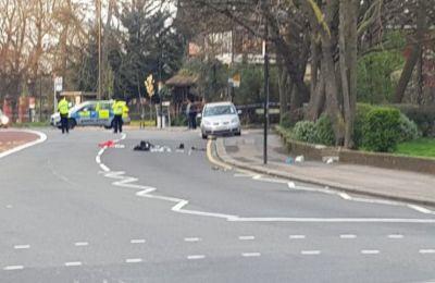 Ο οδηγός του οχήματος σταμάτησε για βοήθεια ενώ ανέφερε στην αστυνομία τα γεγονότα χωρίς όμως να συλληφθεί.