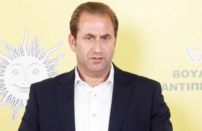 «Θεωρούμε ότι αυτή η περιφρόνηση προς το πόρισμα και προς την Επιτροπή συνιστά ταυτόχρονα και περιφρόνηση προς τη νοημοσύνη του λαού»