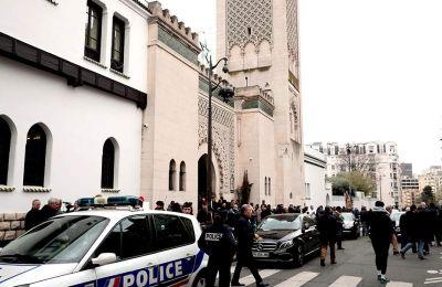 Οι μαζικές επιθέσεις στα δύο τεμένη της Νέας Ζηλανδίας μεταδίδονταν ζωντανά από τον δράστη μέσω της σελίδας του στο Facebook επί δεκαεπτά λεπτά.