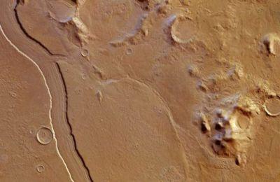 Τα εκατοντάδες αυτά ποτάμια πιθανώς κυλούσαν για πολύ μεγάλο χρονικό διάστημα, πριν από 3,6 έως ένα δισεκατομμύριο χρόνια