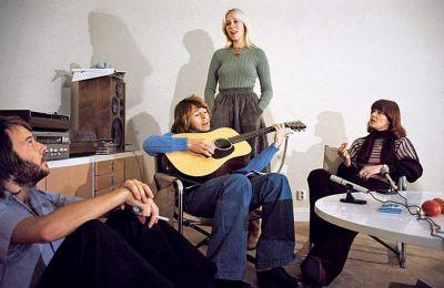 Οι ABBA είναι ένα από τα πιο εμπορικά επιτυχημένα συγκροτήματα στην ιστορία της ποπ μουσικής.