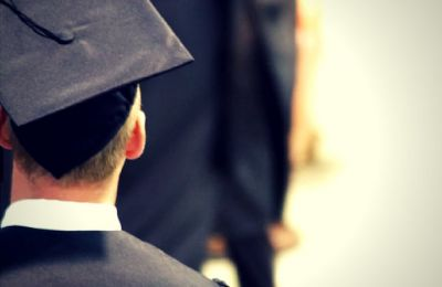 «Ευελπιστούμε ότι οι χώρες με τα χαμηλότερα ποσοστά θα χρησιμοποιήσουν τα δεδομένα για να βελτιώσουν τις συνθήκες για τους αποφοίτους τους», αναφέρει ο Τζόσεφ Σκοτ.