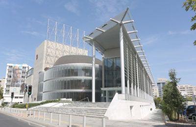 Ο Θεατρικός Οργανισμός Κύπρου απονέμει τρία βραβεία, το Μεγάλο Βραβείο, το Βραβείο Δημιουργού της Χρονιάς και το Βραβείο Νέου Δημιουργού της χρονιάς.