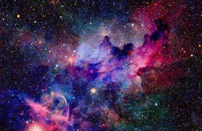 Όταν το σύμπαν είχε πολύ νεαρή ηλικία και ήταν καυτό, υπήρχαν μόνο ελάχιστα είδη ατόμων, κυρίως υδρογόνου και ηλίου.