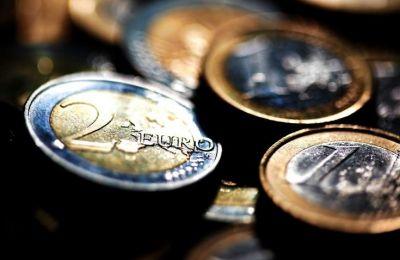 Συνεχίζεται η αποκλιμάκωση του δημοσίου χρέους σε ΕΕ28 και ευρωζώνη
