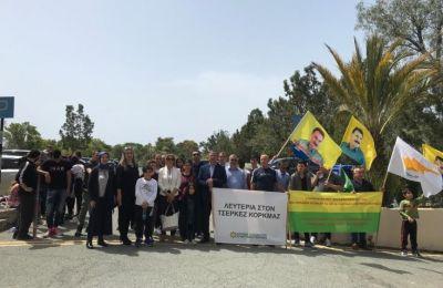 Έξω από το Δικαστήριο πραγματοποιήθηκε ειρηνική εκδήλωση συμπαράστασης προς τον Τσερκέζ