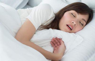 Οι άνθρωποι που ροχαλίζουν συνεχώς βαριά και έχουν άπνοια εμφάνισαν απώλεια νεύρων και μυϊκής μάζας στο μαλακό ουρανίσκο.