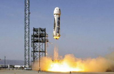 Οι εκτοξεύσεις της Blue Origin έχουν γίνει με επιτυχία αλλά, μέχρι στιγμής οι πύραυλοι της δεν έχουν φτάσει αρκετά ψηλά για να εισέλθουν σε τροχιά.