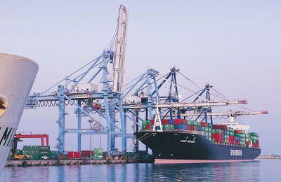 Στόχος μέχρι το 2030 να μειωθούν οι εκπομπές CO2 από τον τομέα της ναυτιλίας