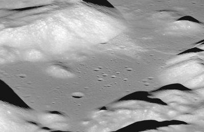 Οι επιστήμονες αποδίδουν τη συνεχιζόμενη τεκτονική δραστηριότητα στο γεγονός ότι το καυτό εσωτερικό της Σελήνης ακόμη ψύχεται αργά