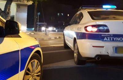 Δράστες φέρονται να είναι δύο πρόσωπα που επέβαιναν μεγάλου κυβισμού μοτοσικλέτας.