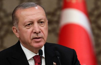Ο Τούρκος Πρόεδρος ερωτηθείς για το θέμα των S400 στην Κωνσταντινούπολη, είπε πως δεν τίθεται θέμα υποχώρησης της Τουρκίας