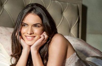 Νέες ιστορίες ομορφιάς στην εκστρατεία εικόνας των καταστημάτων Beauty Line