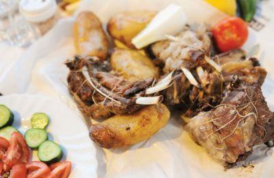 Κλασικές κυπριακές, παραδοσιακές και λαχταριστές συνταγές, που θα ικανοποιήσουν και τους πιο απαιτητικούς ουρανίσκους.