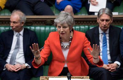 Η Τερέζα Μέι παρουσίασε το «νέο σχέδιο για το Brexit» σήμερα και στο κοινοβούλιο, όπου ήταν εμφανής η απουσία βουλευτών του κόμματός της