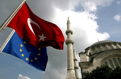 Αναφέρεται επίσης ότι θα μπορούσαν επιπλέον να περικοπούν από την Τουρκία ευρωπαϊκά κονδύλια