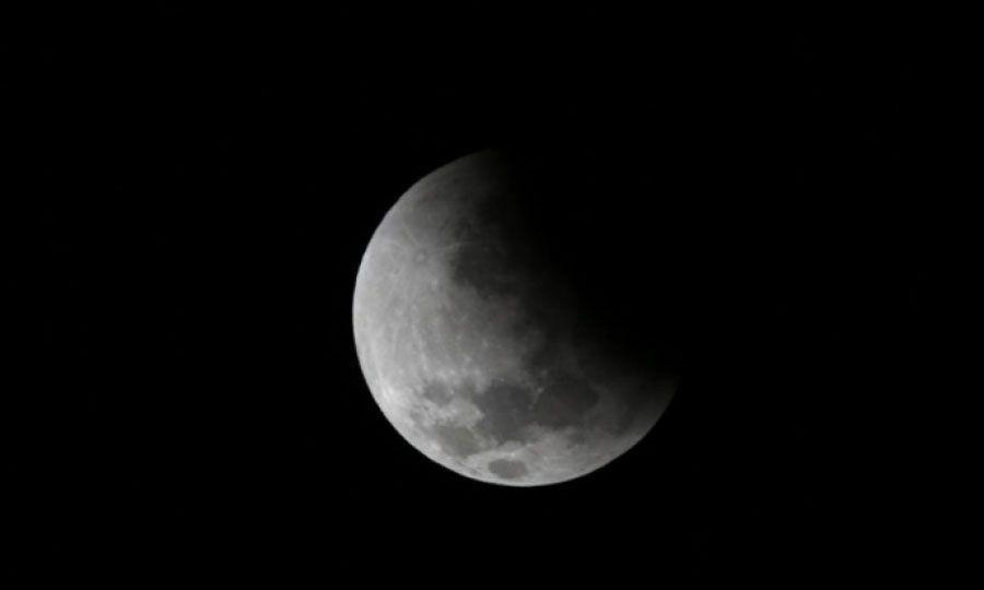 Το φαινόμενο ξεκινά και τελειώνει πολύ πριν η Σελήνη εισέλθει στη σκιά της Γης