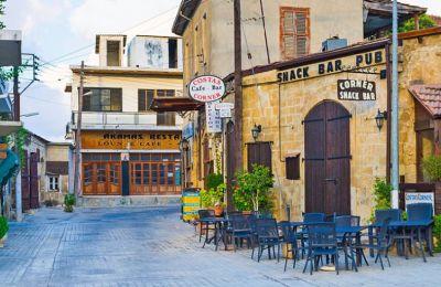 Βρίσκεται στο βορειοδυτικό τμήμα της Κύπρου διατηρώντας το παραδοσιακό της στυλ