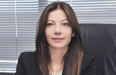 Η κ.Καλογήρου τονίζει επίσης ότι η Κύπρος θα εφαρμόσει τις εισηγήσεις που θα υποβάλει η Moneyval όταν ολοκληρωθεί η αξιολόγηση.