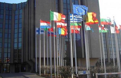Οι ελεγκτές τους ζητούν από την Κομισιόν και τα Κράτη Μέλη να ελέγχουν προσεκτικά τα όρια συμμόρφωσης των εμπόρων για το ΦΠΑ