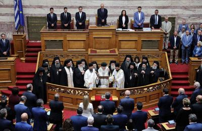 Το απόγευμα του Σαββάτου εκκινεί η τριήμερη διαδικασία της ανάγνωσης και ψήφισης των προγραμματικών δηλώσεων της νέας κυβέρνησης.
