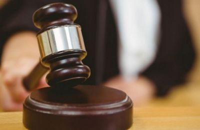 Σημειώνεται πως ο κατηγορούμενος τελεί υπό κράτηση από την 24η Ιουνίου του 2018