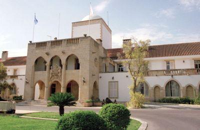 Η Ελεγκτική Υπηρεσία αναγνώρισε την ιδιαιτερότητα στην πρόσληψη συμβούλων του Προέδρου της Δημοκρατίας, των Υπουργών και των Βουλευτών