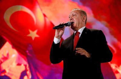 «Οσοι πιστεύουν ότι ο πλούτος του νησιού της Κύπρου και της περιοχής ανήκει μόνο σε αυτούς, θα αντιμετωπίσουν την αποφασιστικότητα της Τουρκίας και των Τουρκοκυπρίων»