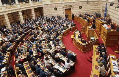 Από την πλευρά του, ο τέως πρωθυπουργός Αλ. Τσίπρας εμφανίζεται αποφασισμένος με την ομιλία του να δώσει άμεσο τέλος στο κλίμα ηττοπάθειας