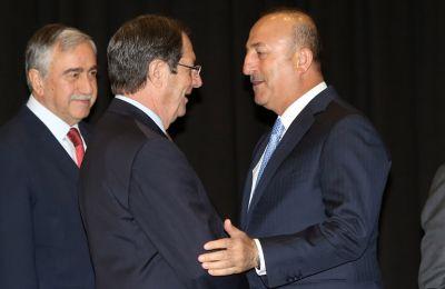 Στην ανακοίνωση, σημειώνεται πως «ο Πρόεδρος Αναστασιάδης προκειμένου να ξεπεραστούν αδιέξοδα που προέκυψαν στις συνομιλίες πρότεινε σειρά εναλλακτικών προτάσεων»