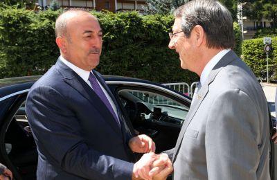 Ο κυβερνητικός εκπρόσωπος άφησε και αιχμές για την χρονική συγκυρία που προχώρησε σε τέτοιου είδους δηλώσεις ο Τούρκος υπουργός Εξωτερικών,