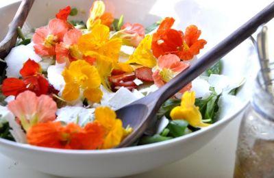 Για να διασφαλιστεί η υγεία των καταναλωτών, τα καταστήματα τροφίμων θα πρέπει να εξασφαλίζουν ότι τα λουλούδια δεν περιέχουν φυτοφάρμακα