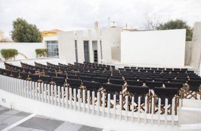 Οι παραστάσεις στο θερινό Αττικόν θα είναι καθημερινές και θα συνεχιστούν μέχρι τις 15 Οκτωβρίου