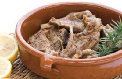 Ένα απλό πιάτο με μυρωδάτα παραδοσιακά υλικά, για μια αυθεντική μεσογειακή γεύση στο τραπέζι σας